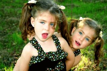 双胞胎女孩取名字成语