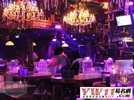 国外酒吧名字大全_起名网 店名大全 > 有品位的酒吧名字     埃菲尔吧  趣味吧  彼岸花