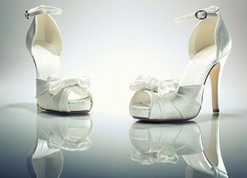 [有创意的女鞋店铺名字大全]有创意的女鞋店铺名字